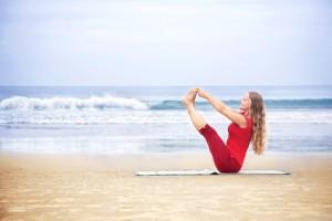Posición de la barca en Yoga