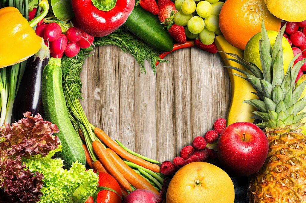 Herz aus Gemüse und Obst