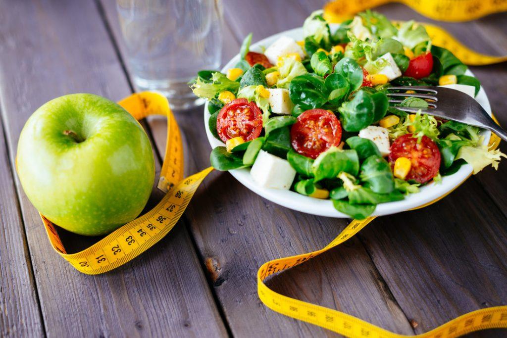 Apfel und Salat