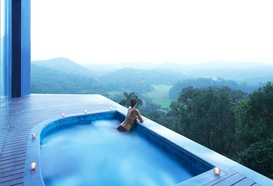 Infinity Pool im Vivanta by Taj - Madikeri